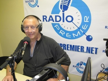 "Konstantin Borovoy in the studio of the Premier Radio (USA) during the program ""Political Information"" whose pilot release ended with the Ukrainian anthem."