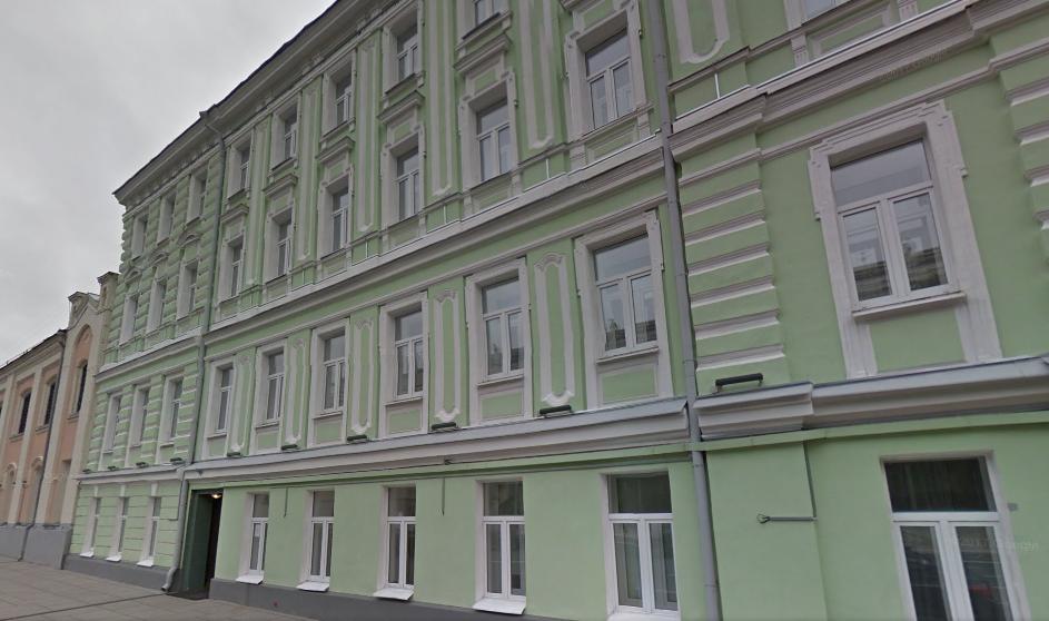 Отель Велий в Москве расположен на улице Моховой, 10. Фото: maps.google.com