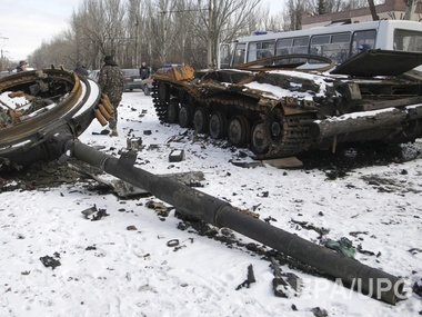 Fierce fighting for Debaltseve began in late January of 2015 and continued even after the agreed by all parties to the conflict cease-fire. On February 18 Ukrainian military began to withdraw from the city. There is still no precise data on the victims of the Ukrainian military. Photo: EPA